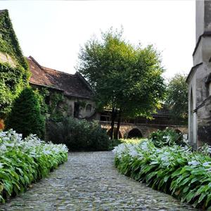 biserica-fortificata-cisnadie-rosen-villa-sibiu