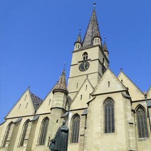 catedrala-evanghelica-rosen-villa-sibiu